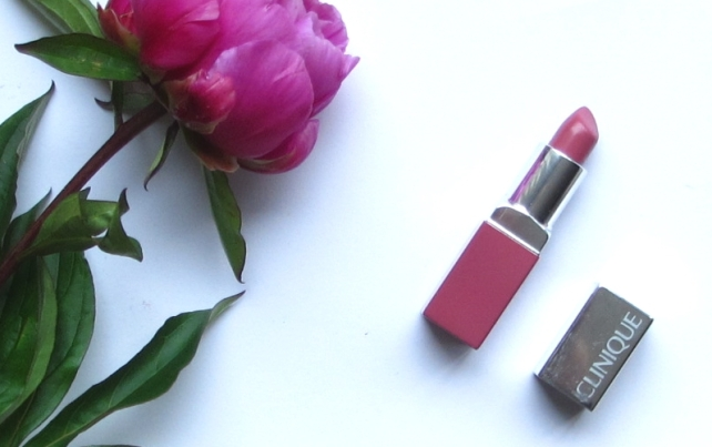 Clinique Color Pop lipstick and primer in Plum Pop