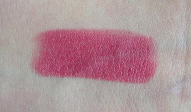 Clinique Pop Lip Colour Plum Pop swatch